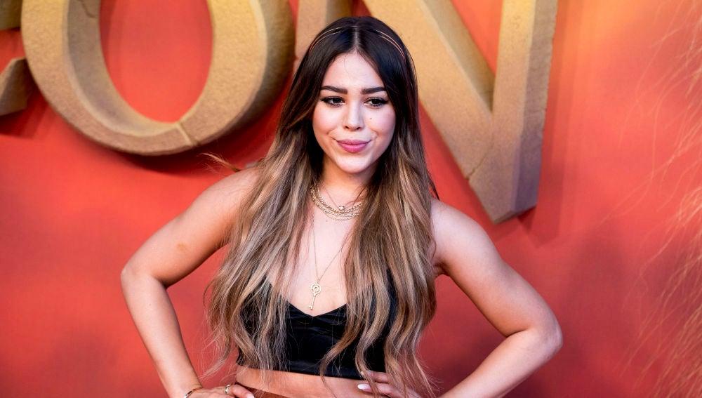 Danna Paola en la premiere de El Rey León