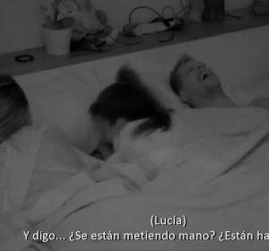 Lucía, Lola y Carlos en la cama