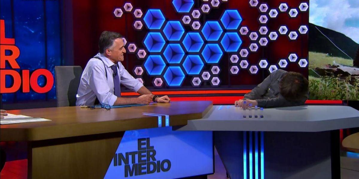 """Jordi Évole sufre un ataque de cataplexia en pleno directo y explica lo sucedido: """"Es una enfermedad jodida"""""""