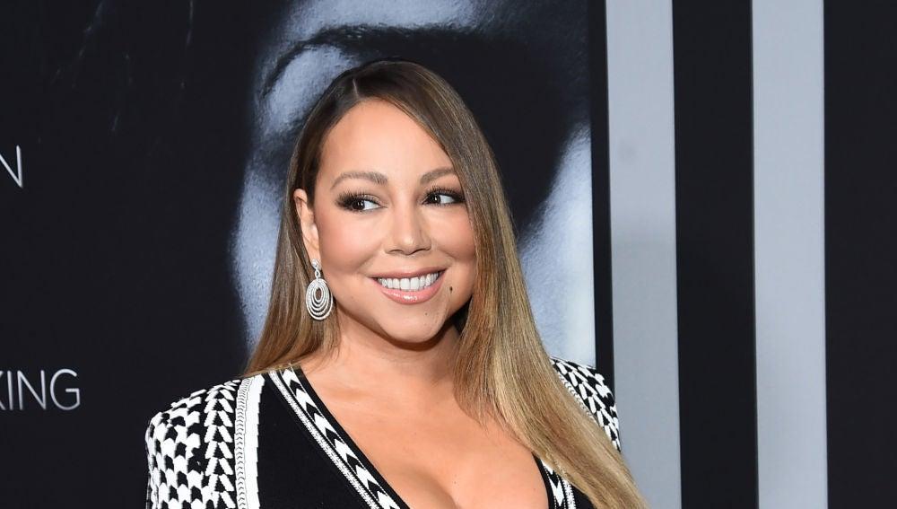 """El show de Mariah Carey mientras es vacunada contra el COVID: """"Soy un vampiro"""""""