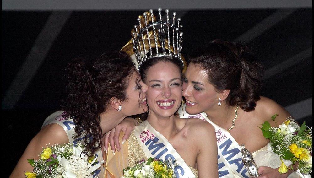 Eva González como Miss España