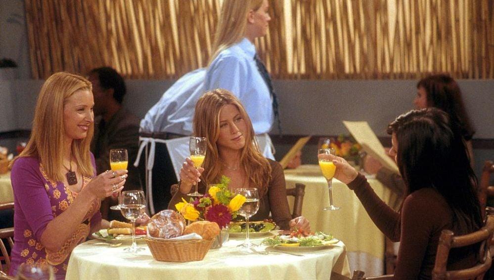 Phoebe, Rachel y Monica de Friends