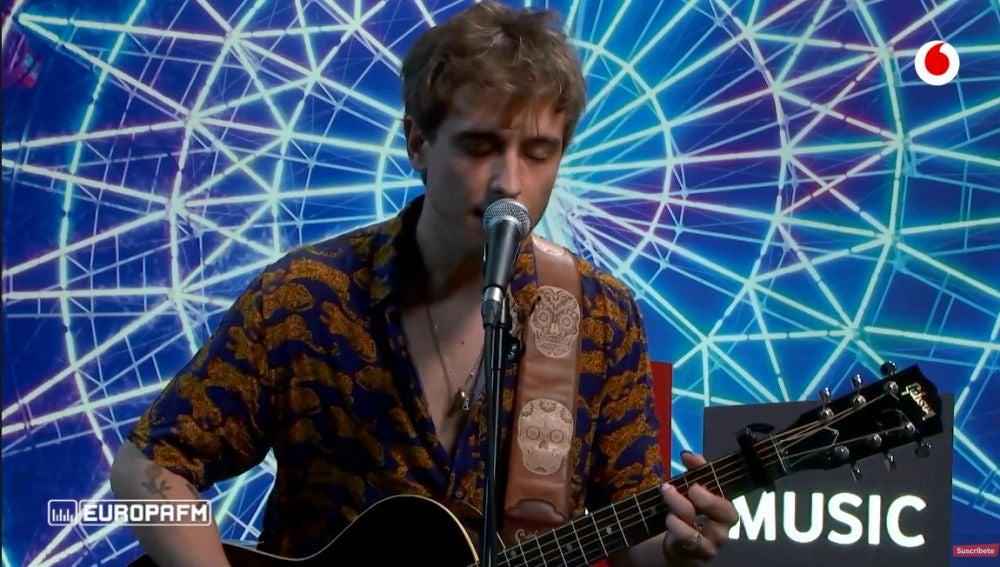 Manel Navarro canta en directo 'Qué tengas suerte'