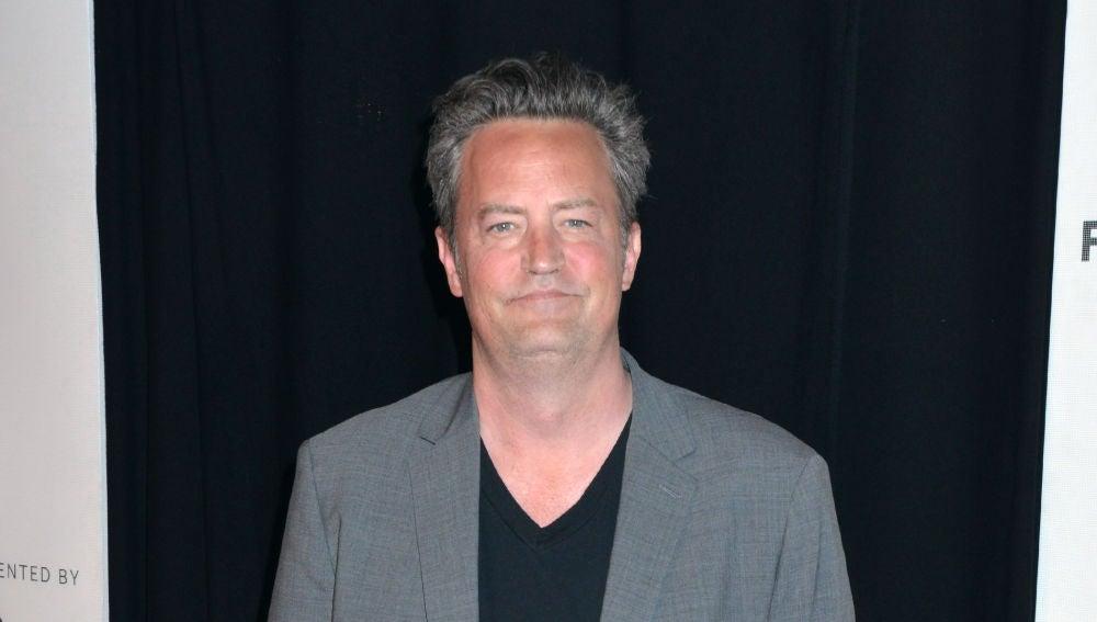 """El director de 'Friends' responde a los rumores sobre Matthew Perry (Chandler): """"Está más fuerte que nunca"""""""