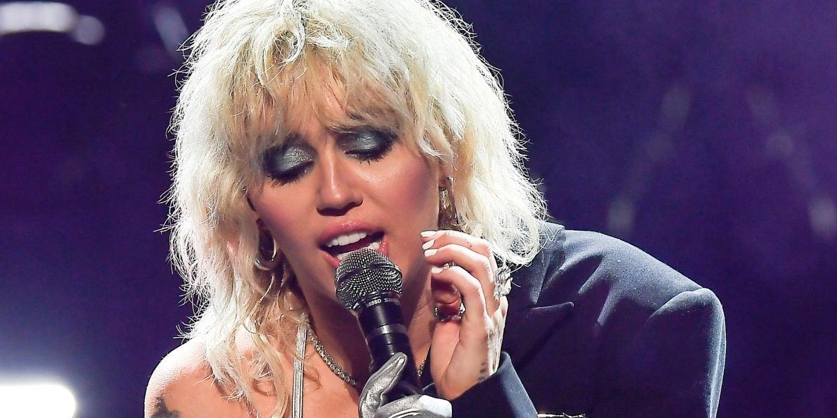 Miley Cyrus durante su actuación en el BottleRock