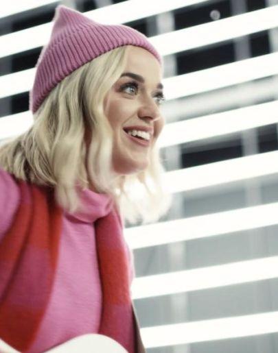 Katy Perry sorprende con esta espectacular cover de 'All you need is love' de Los Beatles